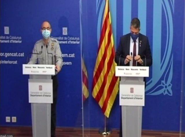 El sotsdirector de Protecció Civil Sergio Delgado i el conseller d'Interior Miquel Sàmper en una conferència de premsa telemàtica el 26 de novembre del 2020.