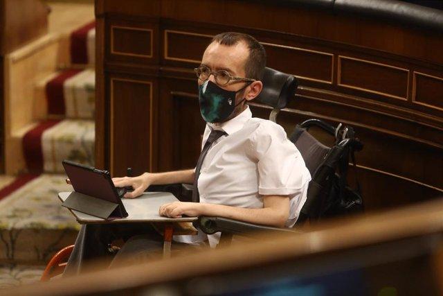 El portavoz de Unidas Podemos en el Congreso de los Diputados, Pablo Echenique, durante la segunda parte del pleno de Debate de totalidad del Proyecto de Ley de Presupuestos Generales del Estado para el año 2021, en el Congreso de los Diputados de 2020.