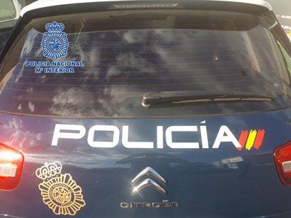 Detenida una mujer por pinchar con una tijeras las ruedas de más de 50 coches aparcados en Leganés