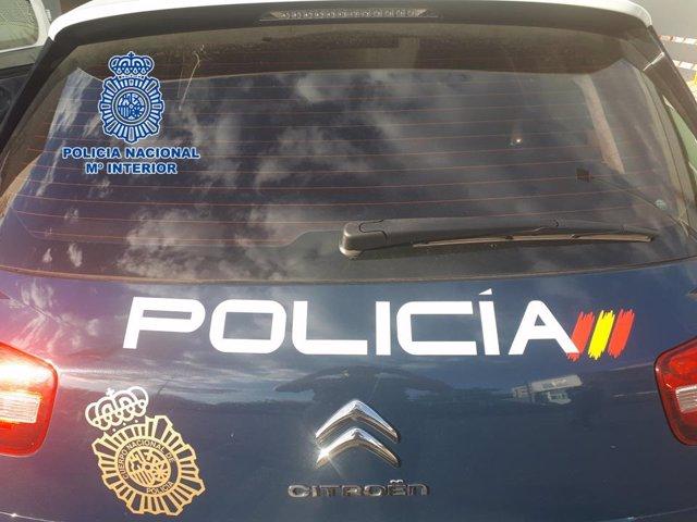 Fotografía de un vehículo policial