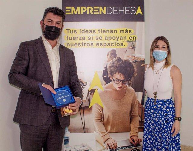 'Mascarillas Alcalá' ganador de EmprenDehesa en el centro comercial La Dehesa