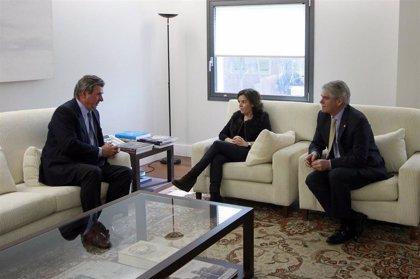 Exteriores dice que el embajador en Londres seguirá en su puesto aunque se jubile como funcionario