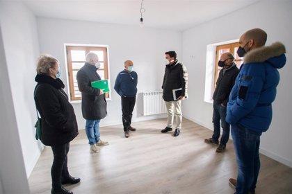 La rehabilitación de casas municipales en desuso en el Pirineo amplía a 11 viviendas la oferta pública de alquiler