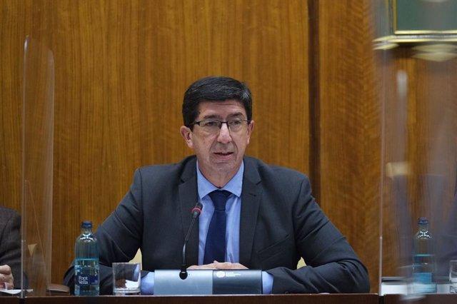 El vicepresidente de la Junta de Andalucía y consejero de Turismo, Regeneración, Justicia y Administración Local, Juan Marín, comparece en comisión parlamentaria.