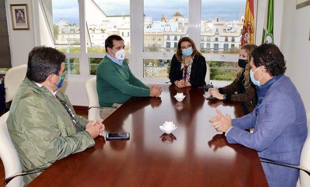 Crespo con representantes de Asaja Cádiz