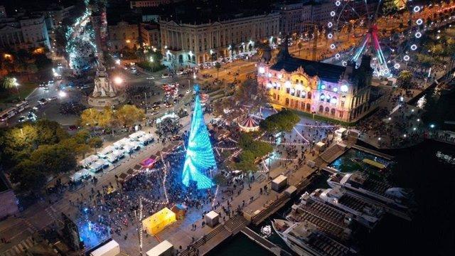 Port de Barcelona il·luminat.