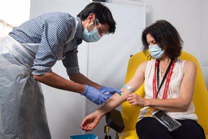 AstraZeneca abre la puerta a realizar un nuevo ensayo sobre su vacuna contra el COVID-19