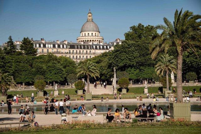 Imagen de archivo de París durante la desescalada.