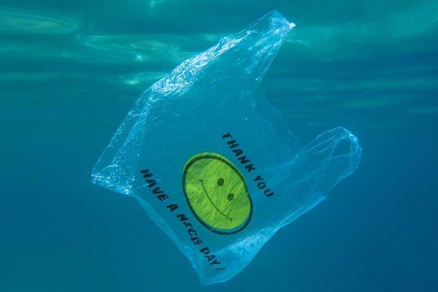 Alemania prohíbe el uso de bolsas de plástico a partir de 2022.
