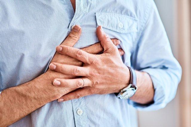 Dolor en el pecho, hernia de hiato, presión, infarto