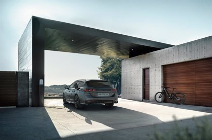 Peugeot lanza el nuevo 508 Sport Engineered, con 360 caballos y 42 kilómetros de autonomía eléctrica