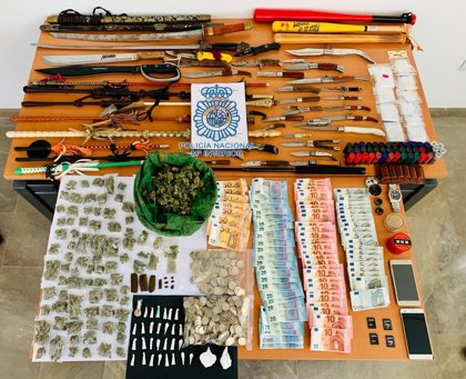 Detenido un matrimonio en Coria (Sevilla) por vender cocaína, hachís y marihuana en su propio domicilio