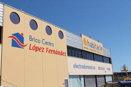 Junta apoya con 26.300 euros la digitalización de Brico Centro López en Almería