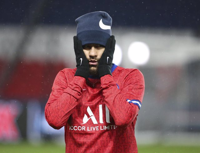 Neymar Jr of PSG during the warm up before the UEFA Champions League, Group Stage, Group H football match between Paris Saint-Germain (PSG) and Manchester United (Man U) on October 20, 2020 at Parc des Princes stadium in Paris, France - Photo Jean Catuffe