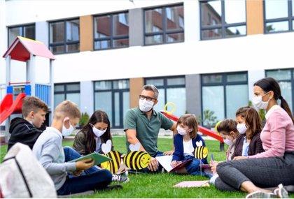 """Uno de cada tres jóvenes reconoce haber tenido un maestro que le ha dejado """"huella"""" en el cuidado a la naturaleza"""