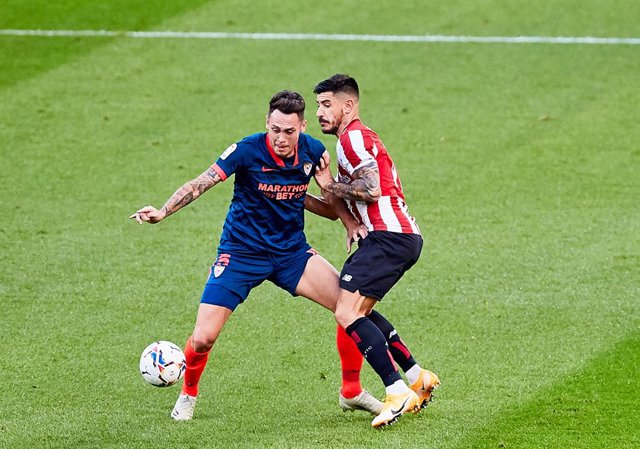 Lucas Ocampos of Sevilla FC and Yuri Berchiche of Athletic Club during the Spanish league, La Liga Santander, football match played between SD Eibar SAD and Cadiz CF at Ipurua stadium on October 30, 2020 in Eibar, Spain.