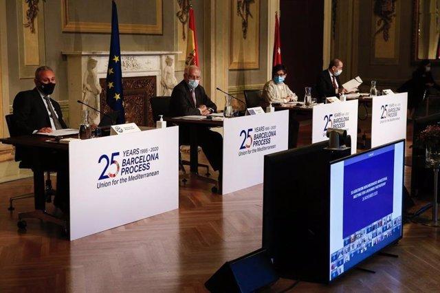 La ministra de Asuntos Exteriores, Arancha González Laya, el Alto Representante de Política Exterior de la UE, Josep Borrell, y el comisario de Ampliación europeo, Olivér Várhelyi.