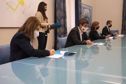 La Diputación de Alicante renueva los convenios con la UA y la UMH para las prácticas académicas de sus alumnos