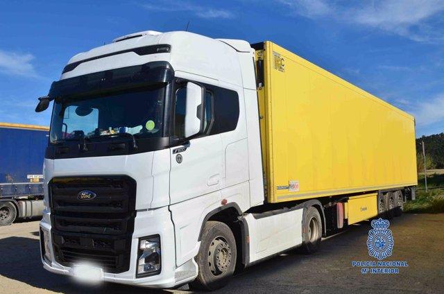 Detinguts dos camioners per presumpte tràfic de persones a la Jonquera (Girona).