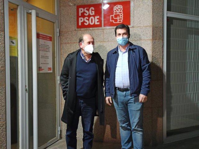 El presidente del PSdeG, Xoaquín Fernández Leiceaga, junto al secretario xeral del partido, Gonzalo Caballero, en la sede en Santiago de Compostela