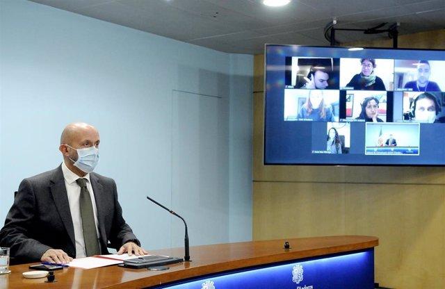 El ministre de Salut, Joan Martínez Benazet, durant la compareixença d'aquest divendres.