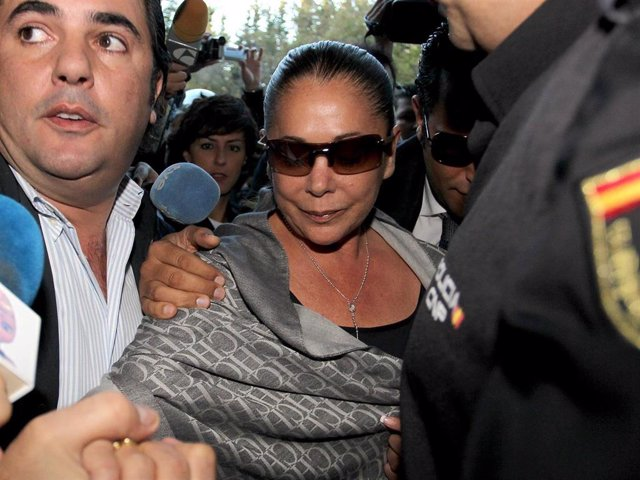 Spanish singer Isabel Pantoja attends the trial of the 'Malaya' case  on October 14, 2010 in Malaga, Spain.