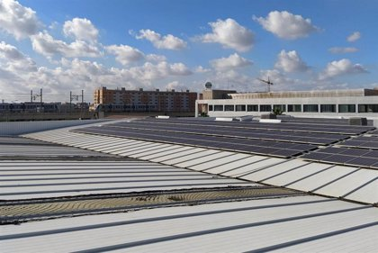 La planta solar fotovoltaica de Metro de Sevilla genera casi medio millón de kilovatios al año