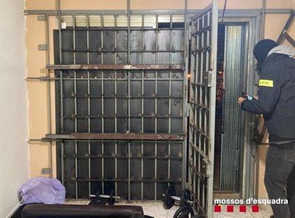 Desmantelado en Barcelona un piso destinado a la venta de cocaína 24 horas
