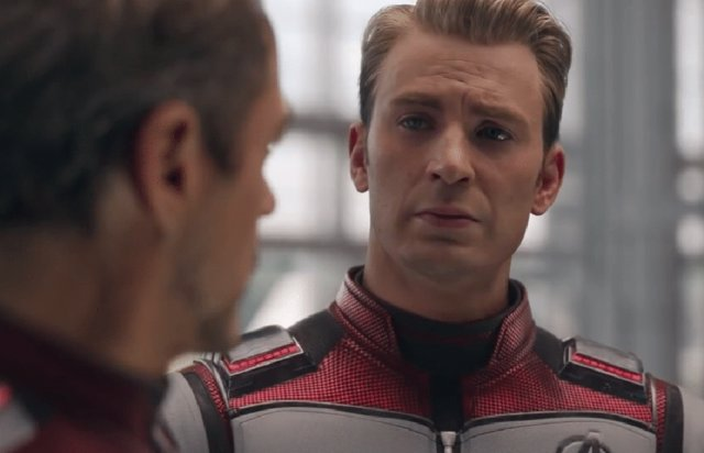 Chris Evans y Robert Downey Jr.  En Vengadores: Endgame