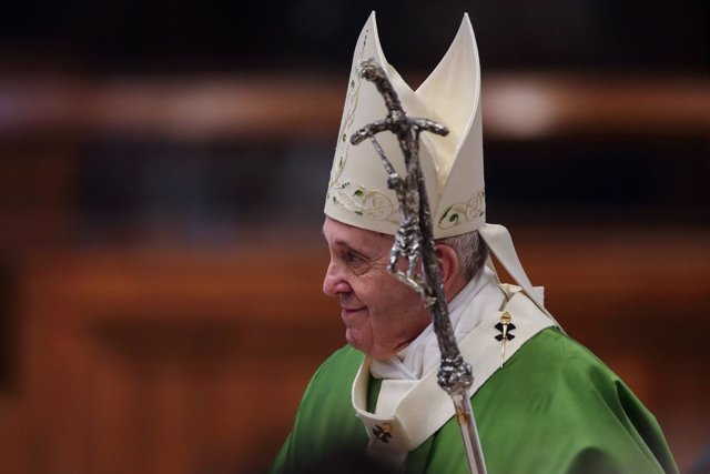 15 November 2020, Vatican, Vatican City: Pope Francis celebrates a holy mass on the occasion of the 4th World Day of the Poor in St. Peter's Basilica. Photo: Evandro Inetti/ZUMA Wire/dpa
