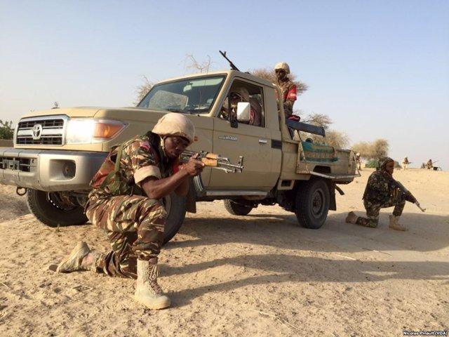 Militares nigerianos