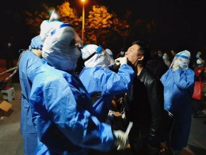 China detecta once casos importados de coronavirus