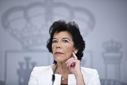"""Celaá acusa a PP y Vox de hacer un """"hackeo de la mente"""" con """"mentiras"""" sobre la LOMLOE: """"Siempre los mismos argumentos"""""""