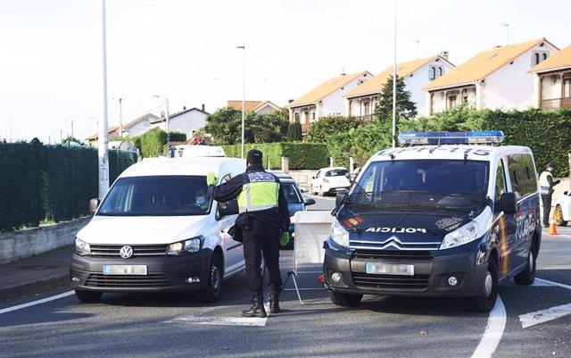 Agentes de la Policía Nacional realizan controles de movilidad