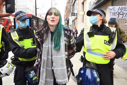 La Policía detiene a 150 personas en una protesta contra las restricciones por la pandemia en Londres
