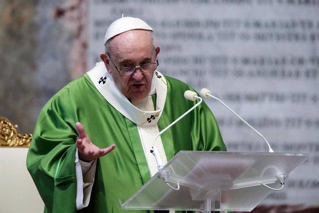 El Papa Francisco celebrant una missa amb motiu de la IVa Jornada Mundial dels Pobres a la Basílica de Sant Pere del Vaticà, el passat 15 de novembre