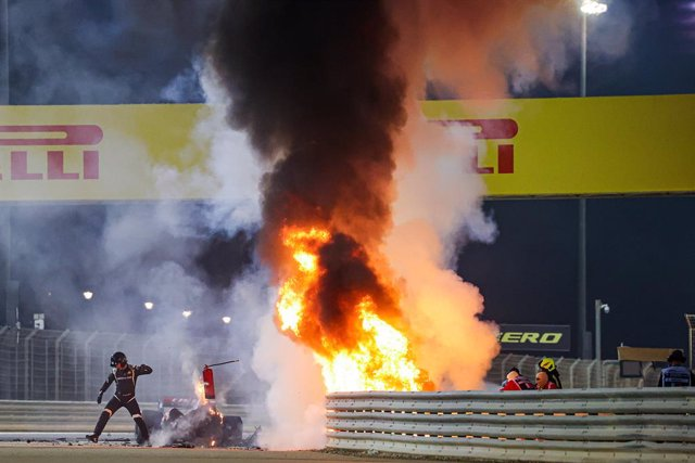 Crash of GROSJEAN Romain (fra), Haas F1 Team VF-20 Ferrari, fire during the Formula 1 Gulf Air Bahrain Grand Prix 2020, from November 27 to 29, 2020 on the Bahrain International Circuit, in Sakhir, Bahrain - Photo DPPI