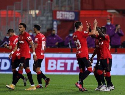 El líder Mallorca golea al Logroñés y el Espanyol reacciona