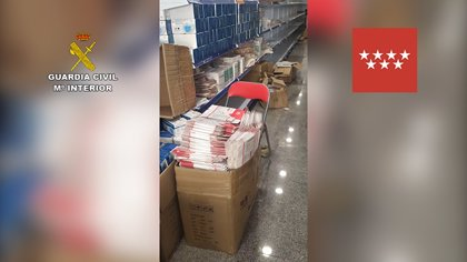 Retiradas 584.000 mascarillas y 7.250 test rápidos del polígono Cobo Calleja por incumplir la normativa
