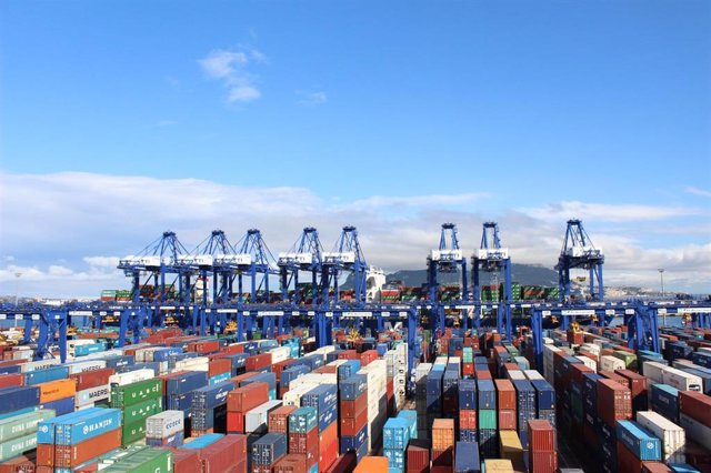 [Sevilla] Foto Y Nota De Prensa: Las Exportaciones Andaluzas Alcanzan Los 20.487 Millones De Euros Hasta Septiembre, Con Un Superávit Comercial De 2.011 Millones