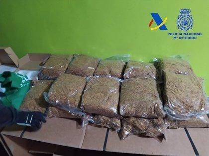 La Agencia Tributaria y la Policía Nacional aprehenden en Murcia 300 kilos de tabaco de contrabando
