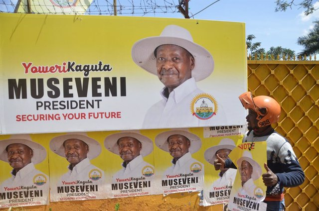 Un cartel electoral del presidente de Uganda, Yoweri Museveni