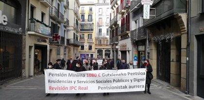 """Colectivos de pensionistas rechazan en Pamplona las recomendaciones del Pacto de Toledo y piden unas pensiones """"dignas"""""""