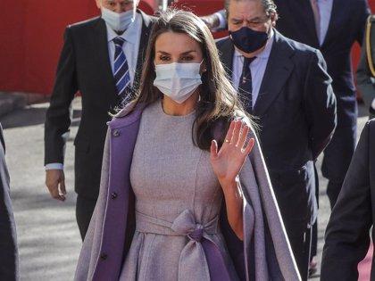 La Reina Letizia vive una accidentada mañana durante la entrega de Premios Jaume I en Valencia