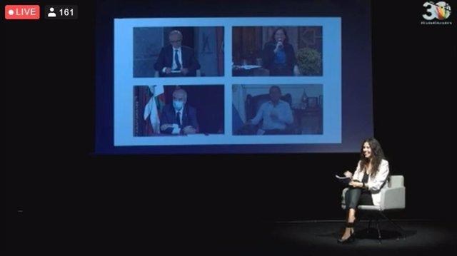 Acto inaugural de la celebración del Día Internacional de la Ciudad Educadora con la alcaldesa de Barcelona, Ada Colau; el alcalde de Granollers (Barcelona), Josep Mayoral; el de Rosario (Argentina), Pablo Javkin, y el concejal de Bilbao Koldo Narbaiza.