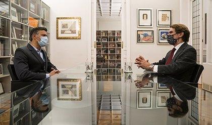 Aznar se reúne con Leopoldo López en Madrid pocos días antes de las elecciones en Venezuela