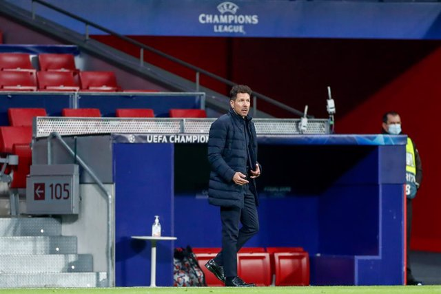 Diego Pablo Simeone, head coach of Atletico de Madrid, gestures during the UEFA Champions League football match played between Atletico de Madrid and Lokomotiv Moskva at Wanda Metropolitano stadium on november 25, 2020, in Madrid, Spain