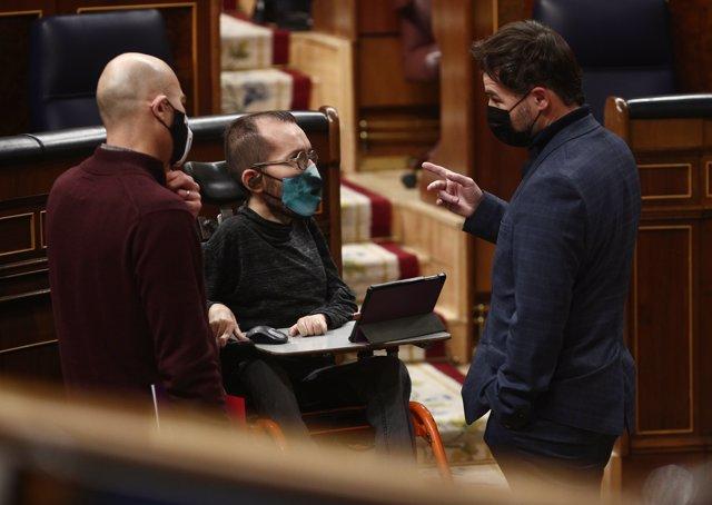 El portavoz de ERC en el Congreso, Gabriel Rufián y el portavoz de Unidas Podemos, Pablo Echenique
