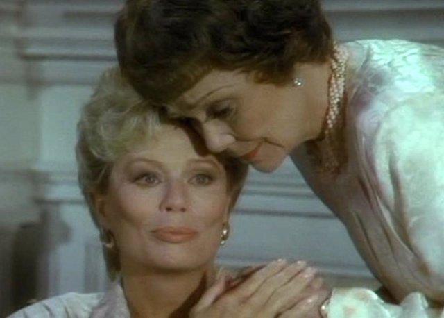 Abby Dalton y  Jane Wyman en Falcon Crest