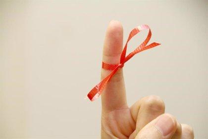 Sanidad pide a la población tener relaciones sexuales seguras para evitar el contagio del VIH